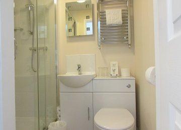 Room 6 A En-Suite – 360 x 270