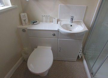 Room 1 – En-Suite – b – 360 x 260