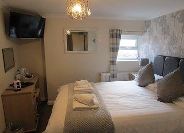 Room 1 – b – 360 x 260