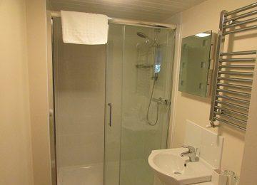 Room 2 – En-Suite – a – 360 x 260