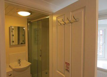 Room 3 – En-suite – f – 360 x 260