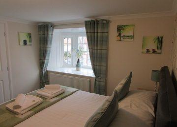 Room 3 – h – 360 x 260