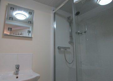 Room 4 – En-Suite – a – 360 x 260