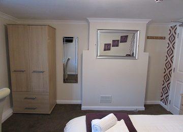 Room 4 – b – 360 x 260