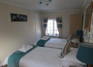 Room 6 – g – 360 x 260