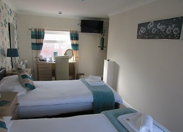 Room 6 – j – 360 x 260