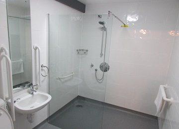 Room 7 – En-Suite – a – 360 x 260