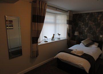 Room 7 – f – 360 x 260